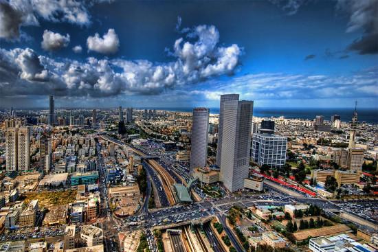 Тель-Авив – два города, два мира