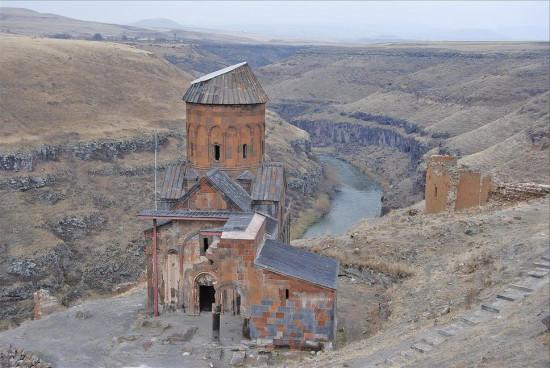 Турция. Руины древнего города Аракса